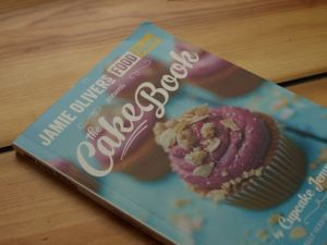 rezension cake book cupcake jemma cover